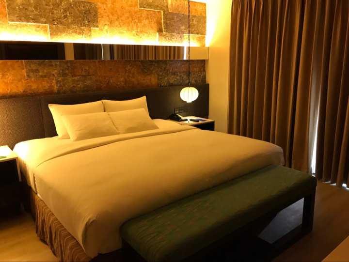 ベルビューリゾート・ジュニスイート・寝室に大きなキングベッド