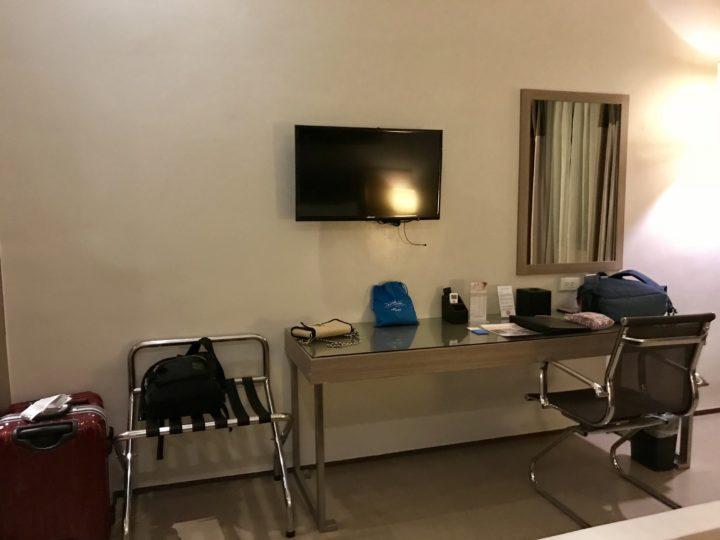 2018cebu_ベイフロントホテル デスクスペース