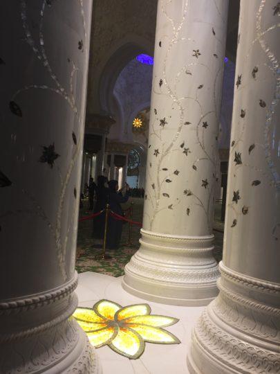 2017UAEドバイ アブダビ グランドモスク 柱