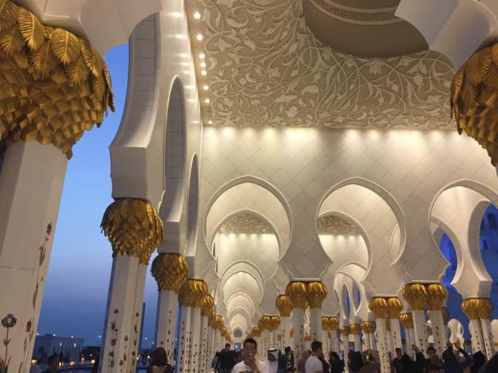 2017UAEドバイ アブダビ グランドモスク 廊下
