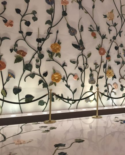 2017UAEドバイ アブダビ グランドモスク 壁の花