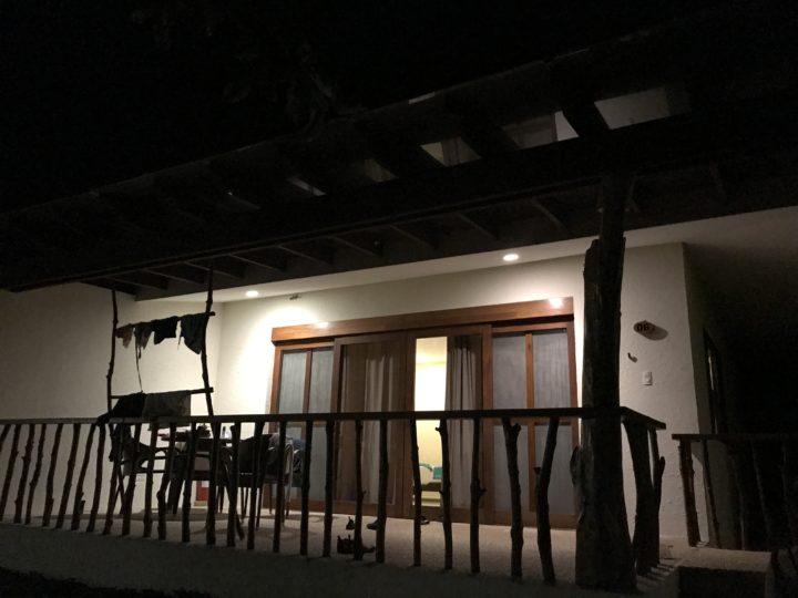 2017cebu_スミロンブルーォーター 部屋 外観 夜