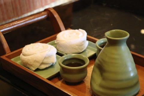 お茶と良い香りのするおしぼりをいただけて、とても気持ちのいい始まり