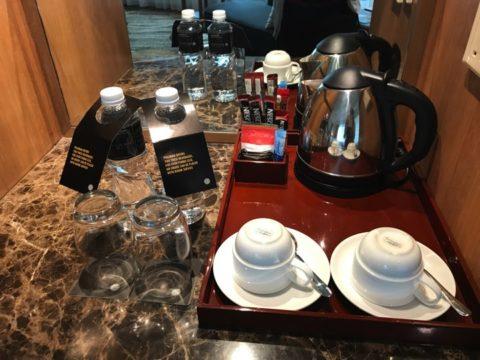 Pullmanのドリンクアメニティはとても豊富。紅茶の種類がとても多かったです