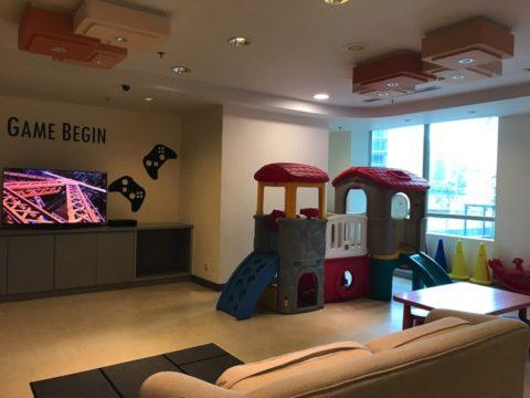 レジャールームにはテレビゲームや、小さい子供向けの玩具もあります