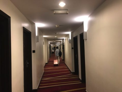 SamaSamaExpressホテルの通路の様子