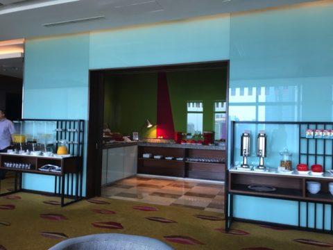 TradersHotel(トレイダーズホテル)のプレミアムラウンジドリンクコーナーの全体