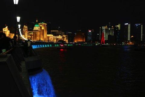 上海外灘の海岸付近の様子