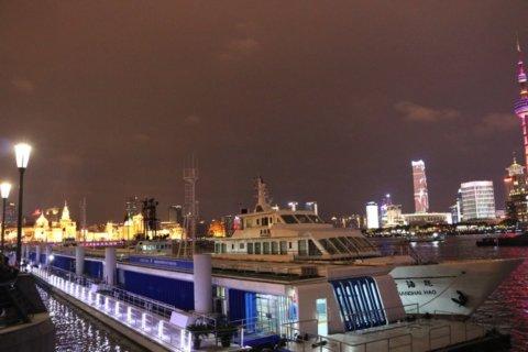 上海ディナークルージングの船